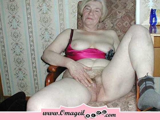Senior Hairy Pussy 113
